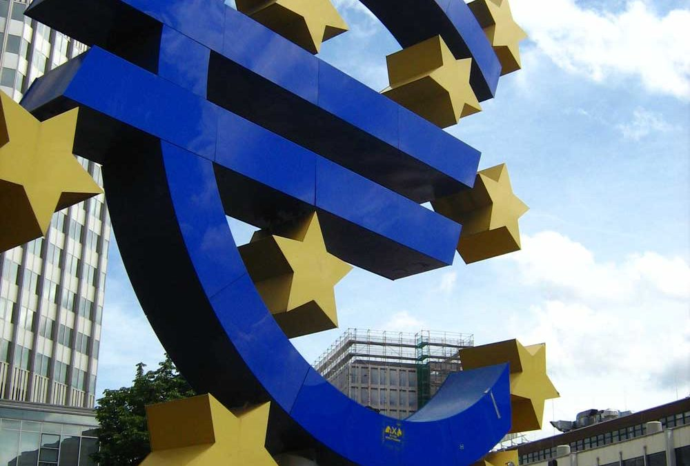 Frankfurt, the giant Euro under the rainbow